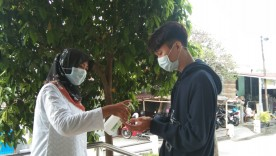 Screening awal dengan cara 6 langkah mencuci tangan dengan benar di Puskesmas Pakualaman