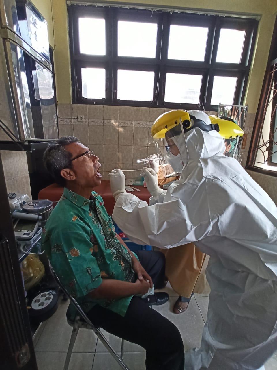 Foto Kegiatan SWAB TEST Karyawan UPT Puskesmas Pakualaman